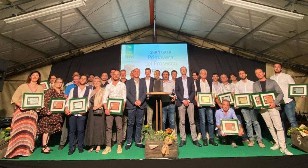 La foto di gruppo dei premiati alla Gran Fascetta d'Oro